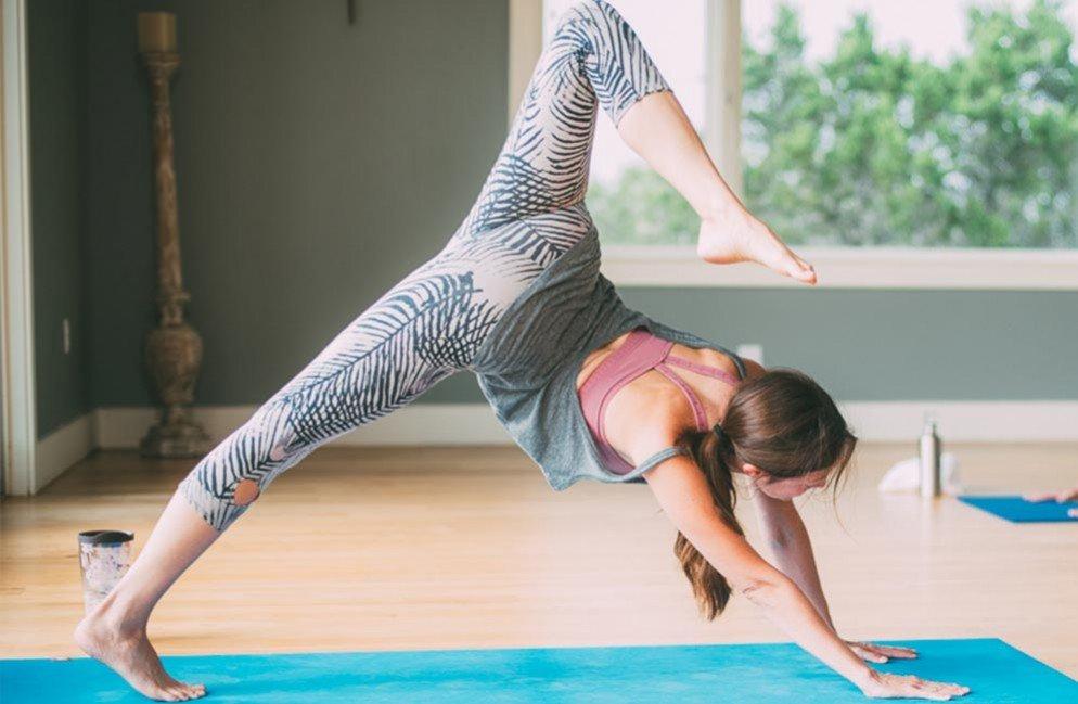 practicarea yoga