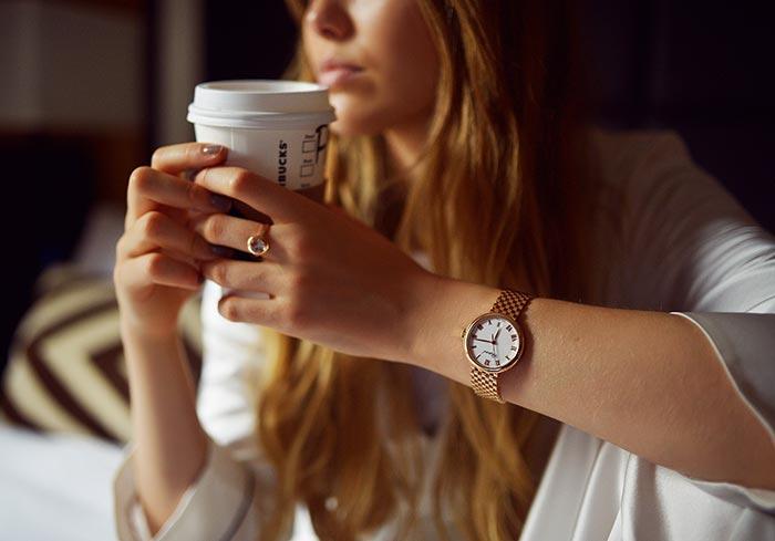 Cum te simţi mai energizată în timpul zilei (fără cafea)