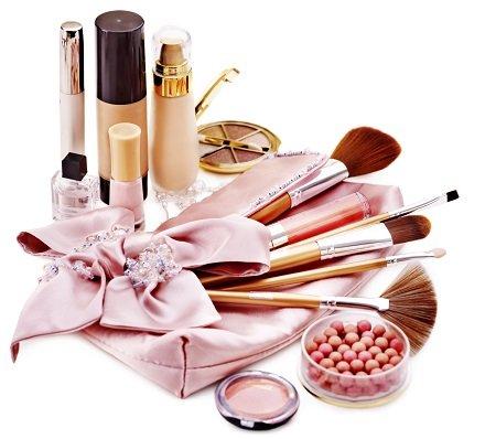 Produse de makeup care nu trebuie sa-ti lipseasca din trusa