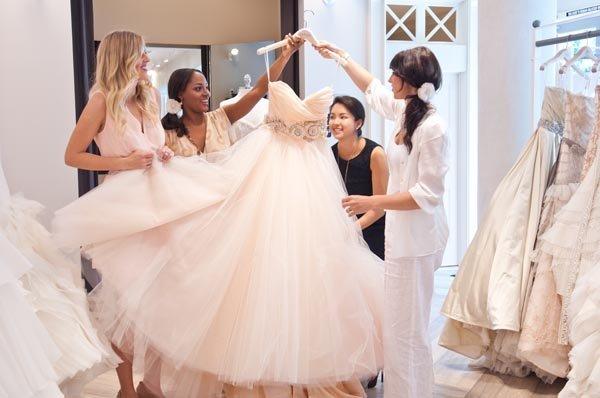 De ce să ții cont atunci când cumperi rochia de mireasă